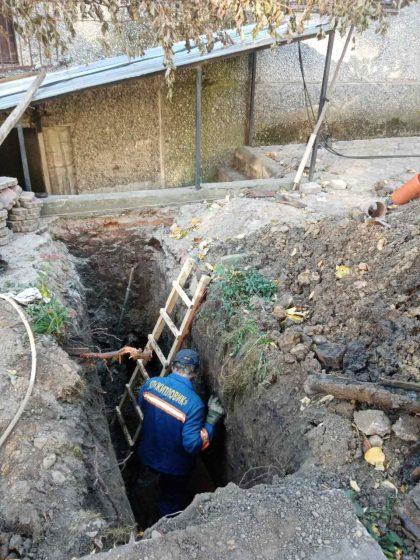 Заміна каналізаційного підводу у будинках 16,18 по вулиці В.Стуса